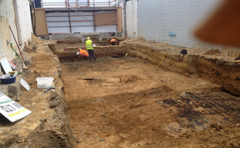archaeologist at work constrcution site warf street tauranga