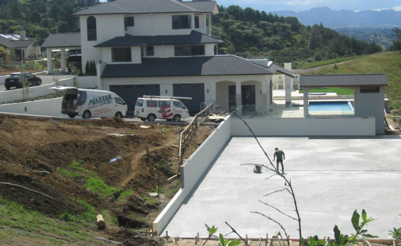 IPMS manages the progress of new dwelling with outdoor swimming pool and tennis court construction